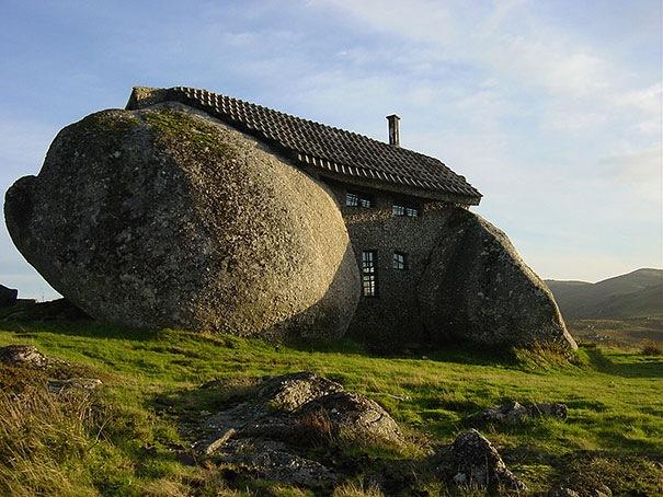 Stone House, Portekiz